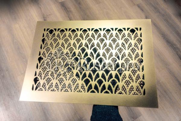 Вентиляционная решетка с орнаментом Ирисы