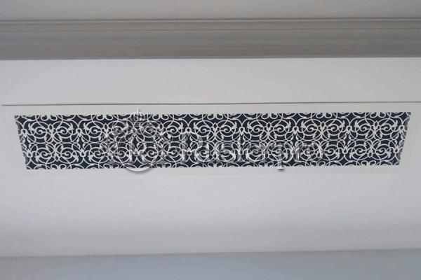 Решетка в потолок с растительным узором
