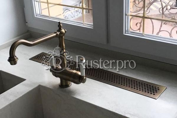 Декоративная латунная решетка в столешницу