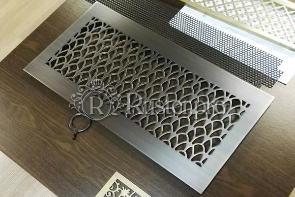 Декоративная решетка из состаренной латуни в Москве