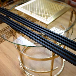 Черная длинная решетка из крашеной стали