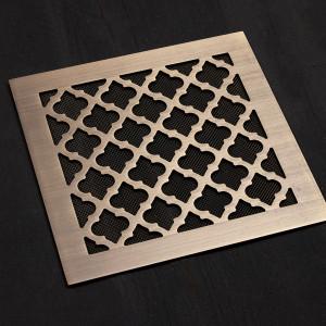 Решетка из состаренной латуни с рисунком Классик