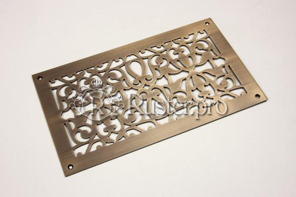 Вентиляционная решетка из латуни со сложным узором